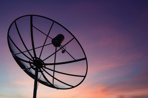 Satellite dish at sky sunset communication technology networkの写真素材 [FYI00743487]