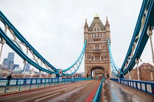 Tower bridge in London, Great Britainの写真素材 [FYI00743567]