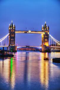 Tower bridge in London, Great Britainの写真素材 [FYI00743569]