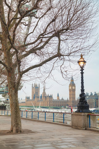 Overview of London with the Clock tower early in the morningの写真素材 [FYI00743579]