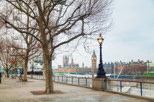 Overview of London with the Clock tower early in the morningの写真素材 [FYI00743582]