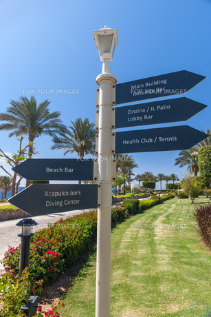 signboard on the beach at hotel, Egyptの写真素材 [FYI00743962]