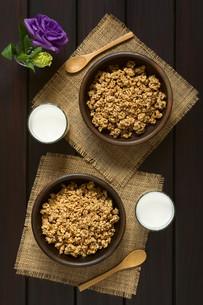 Breakfast Cereal with Milkの写真素材 [FYI00744760]