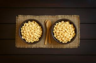 Honey Flavored Breakfast Cerealの写真素材 [FYI00744778]