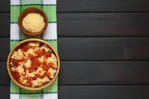 Ravioli with Tomato Sauceの写真素材 [FYI00744789]