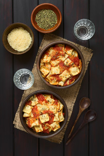 Baked Ravioli with Tomato Sauceの写真素材 [FYI00744795]