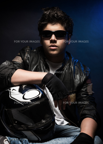 Stylish young bikerの写真素材 [FYI00745241]