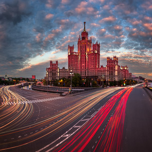 Kotelnicheskaya Embankment Building, One of the Moscow Seven Sisters in the Evening, Moscow, Russiaの写真素材 [FYI00745300]