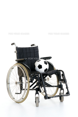 wheelchair with ballの素材 [FYI00745488]