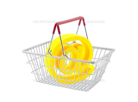 Shopping basket with email symbol isolated on white backgroundの素材 [FYI00745588]
