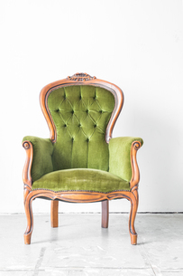 Green Vintage chairの写真素材 [FYI00745901]