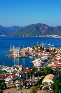 View of Marmaris harbor on Turkish Riviera.の写真素材 [FYI00746082]