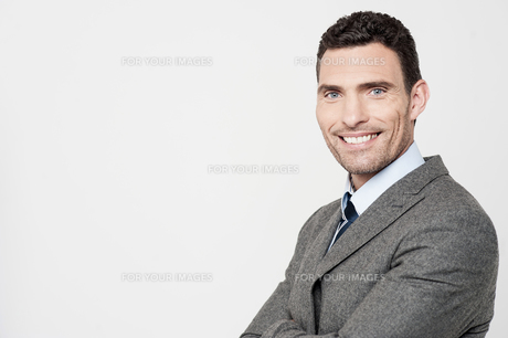 Smiling middle aged businessmanの写真素材 [FYI00746276]