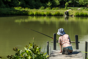 Kid fishingの写真素材 [FYI00747690]