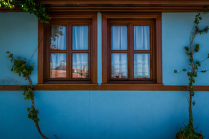 Blue Traditional Turkish Houseの写真素材 [FYI00748141]