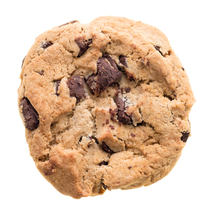 Chocolate chip cookie isolated on white backgroundの素材 [FYI00748159]