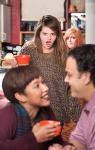 Shocked Woman Watching Coupleの素材 [FYI00748268]