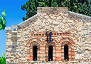 Fragment of the facade of the chapel , Crete, Greece.の素材 [FYI00748570]