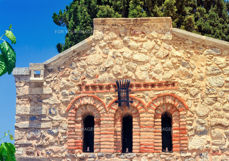 Fragment of the facade of the chapel , Crete, Greece.の素材 [FYI00748573]