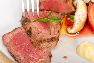 beef filet mignon grilled with vegetablesの写真素材 [FYI00748936]
