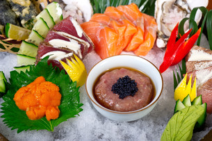 fresh sushi choice combination assortment selectionの写真素材 [FYI00749384]