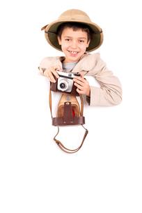 Boy in Safari clothesの素材 [FYI00749430]