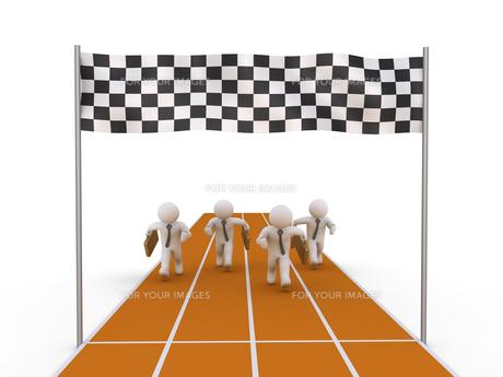 Four businessmen running on trackの素材 [FYI00749507]