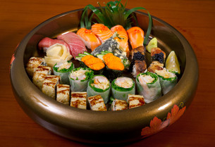 fresh sushi choice combination assortment selectionの写真素材 [FYI00749548]
