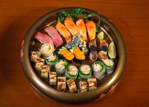 fresh sushi choice combination assortment selectionの写真素材 [FYI00749549]