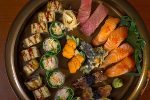 fresh sushi choice combination assortment selectionの写真素材 [FYI00749551]