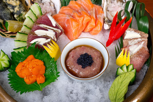 fresh sushi choice combination assortment selectionの写真素材 [FYI00749561]