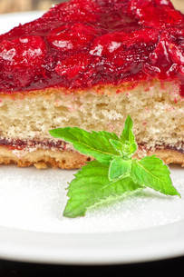 cake with berry&#39 sの写真素材 [FYI00749603]
