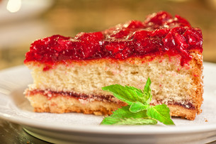 cake with berry&#39 sの写真素材 [FYI00749607]