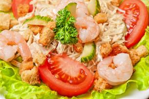 salad with shrimpの写真素材 [FYI00749609]