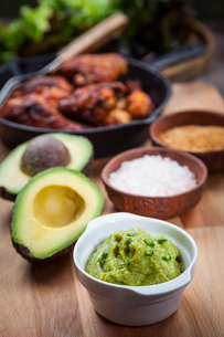 Guacamole with avocadoの写真素材 [FYI00749742]