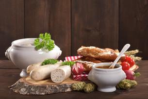 white sausage breakfastの写真素材 [FYI00750656]