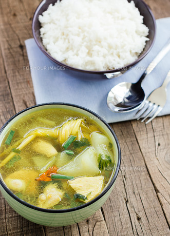 Winter Melon Soup with Chicken asia healthy foodの写真素材 [FYI00751179]