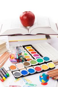 Back to school - school suppliesの写真素材 [FYI00751950]