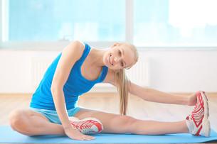 Stretching exerciseの素材 [FYI00752145]