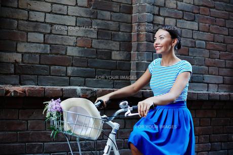 Riding bicycleの素材 [FYI00752452]