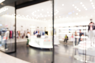 Blur view of shopping mall backgroundの写真素材 [FYI00752555]