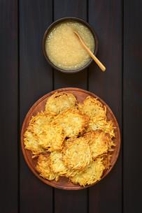 Potato Pancake or Fritter with Apple Sauceの写真素材 [FYI00752874]