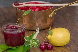 cherry jamの写真素材 [FYI00753009]