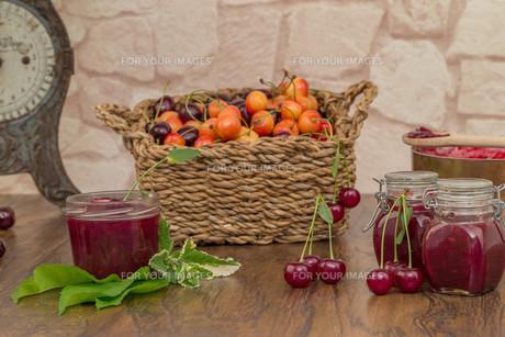 cherry jamの写真素材 [FYI00753013]
