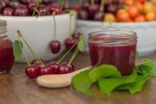 cherry jamの写真素材 [FYI00753019]