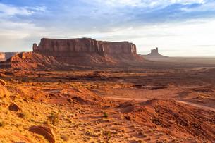 Monument Valley Sunriseの写真素材 [FYI00753337]