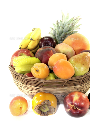 fruit basket with various fruitsの素材 [FYI00753455]