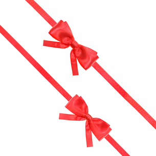 red satin bow knot and ribbons on white - set 55の写真素材 [FYI00753857]