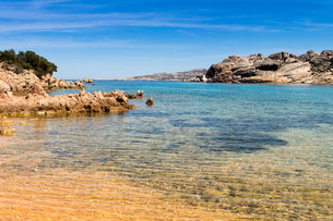 beach in sardiniaの写真素材 [FYI00753893]