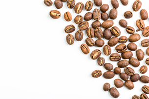 Coffee beans isolated on whiteの写真素材 [FYI00754013]